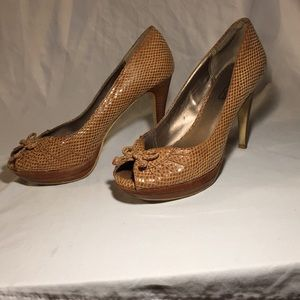 Brow/mustard yellow 3.5 inch heels